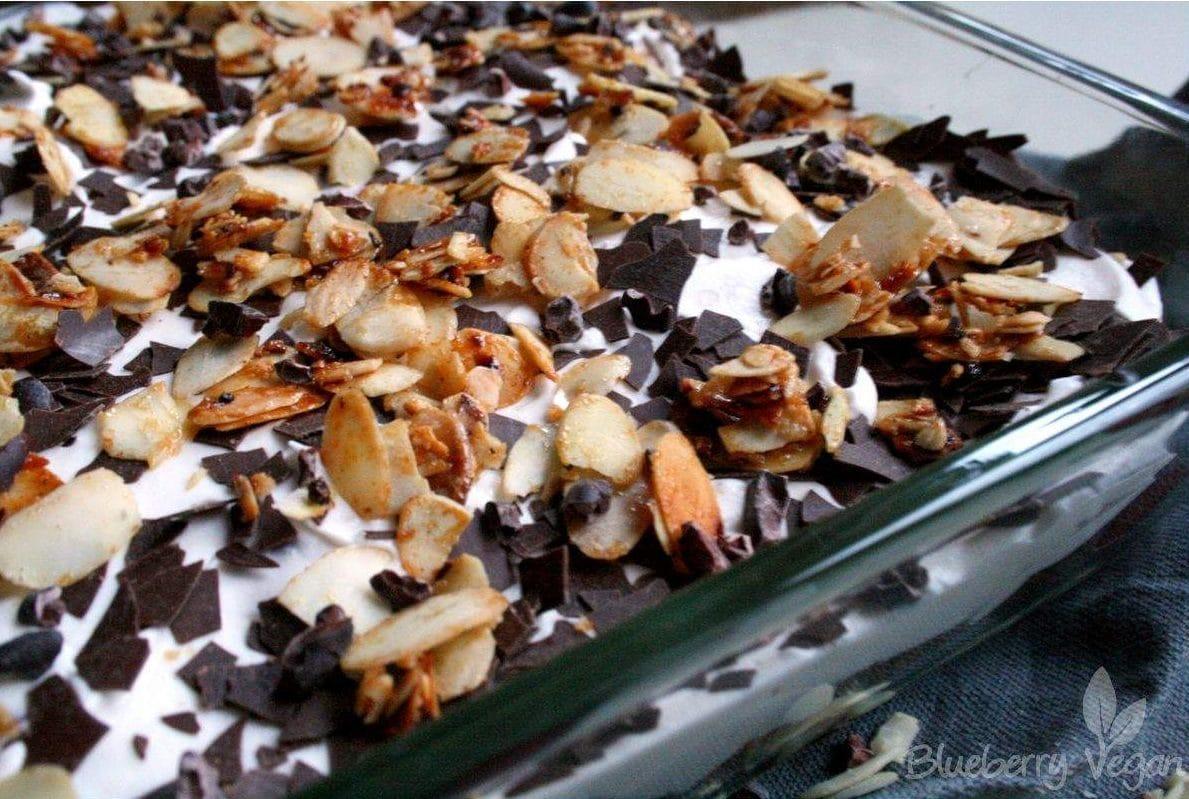 Veganes Schoko Kirsch Dessert.
