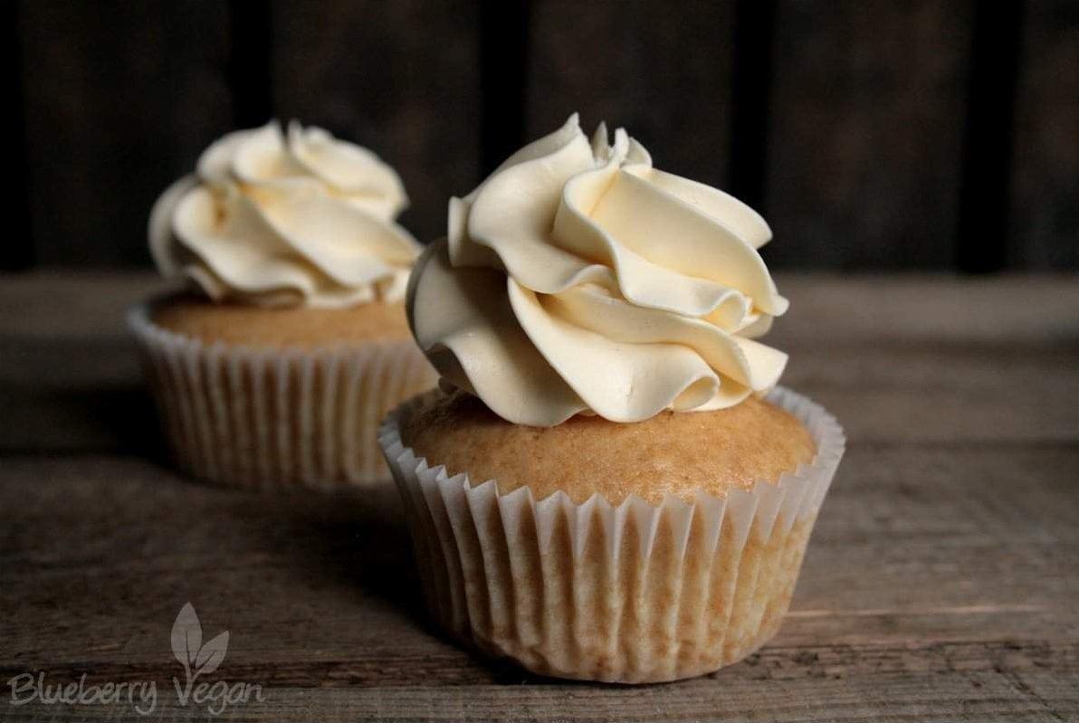 blaue crememasse für muffins