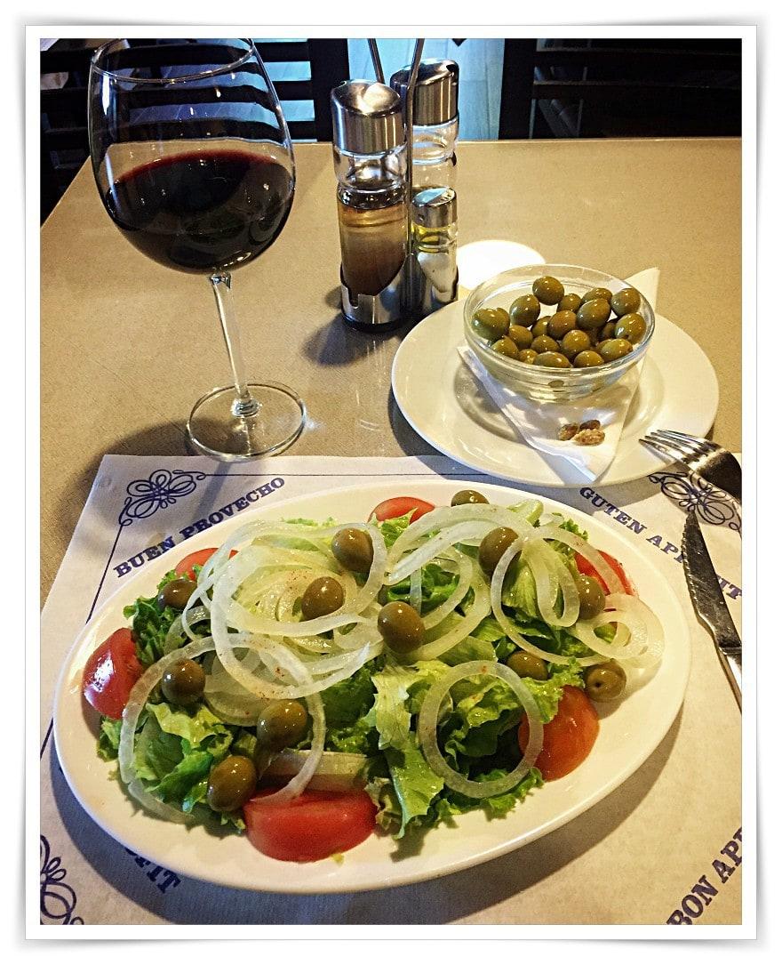 [cml_media_alt id='6969']Salat mit Oliven[/cml_media_alt]