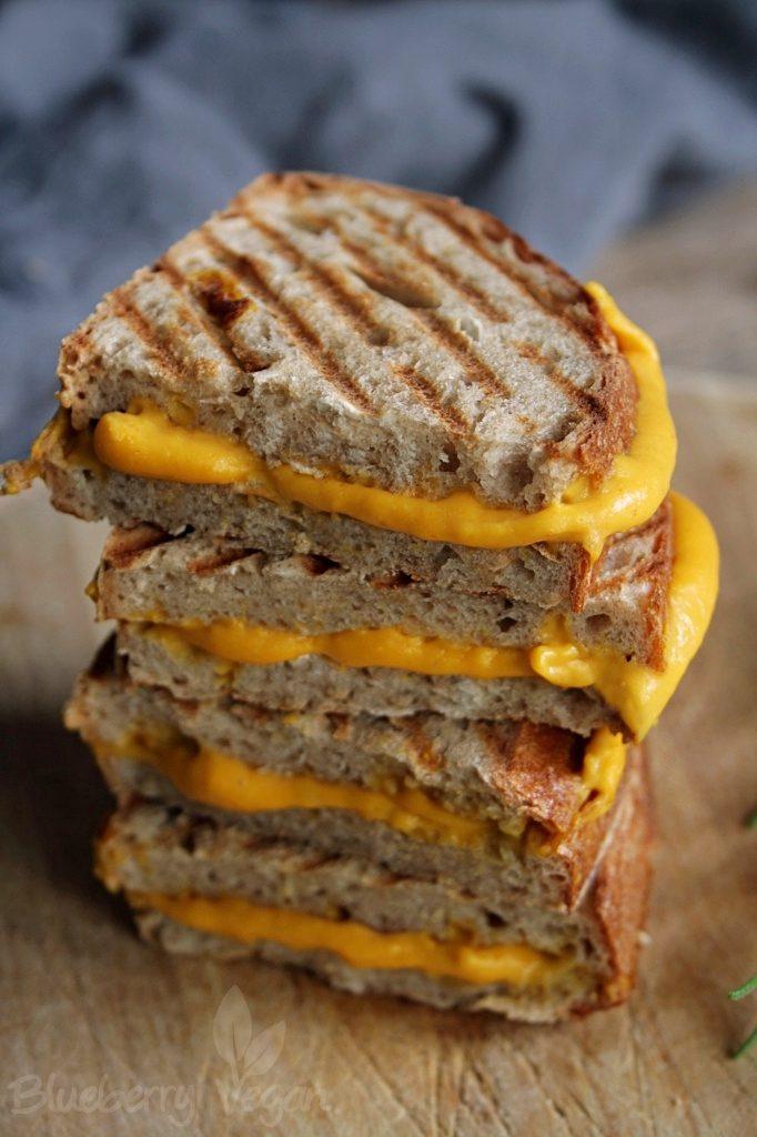 Leckere Butternuss-Käse-Sandwiches