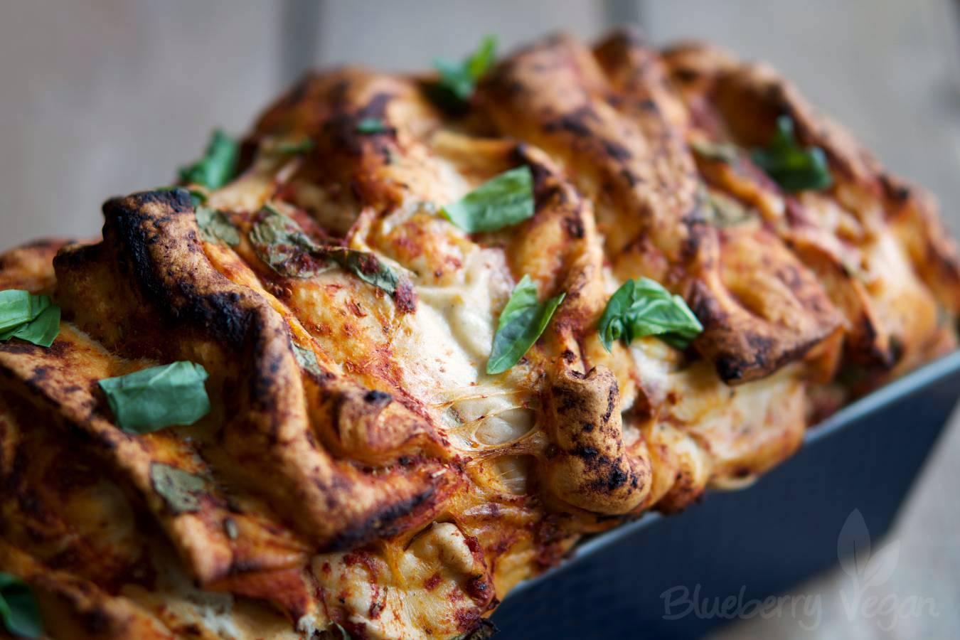 Herzhaftes Pizza Zupfbrot Blueberry Vegan