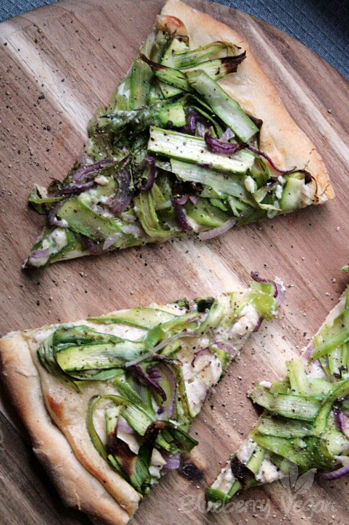 Asparagus Garlic White Pizza