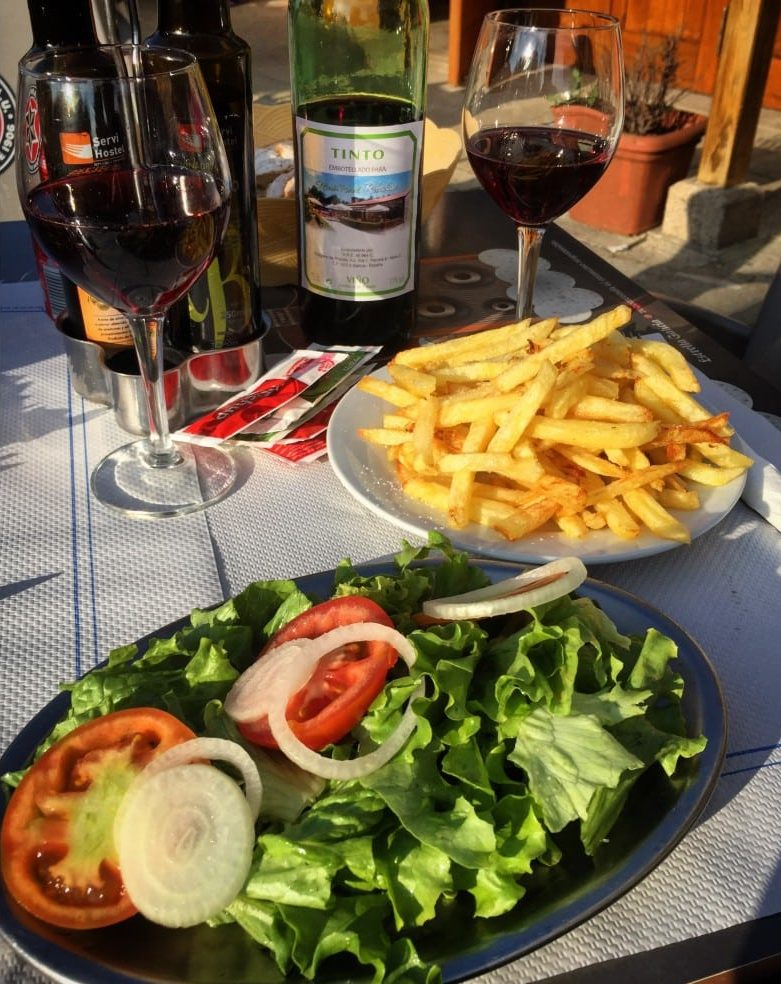 [cml_media_alt id='7090']Salat mit Pommes - wenigstens vegan[/cml_media_alt]