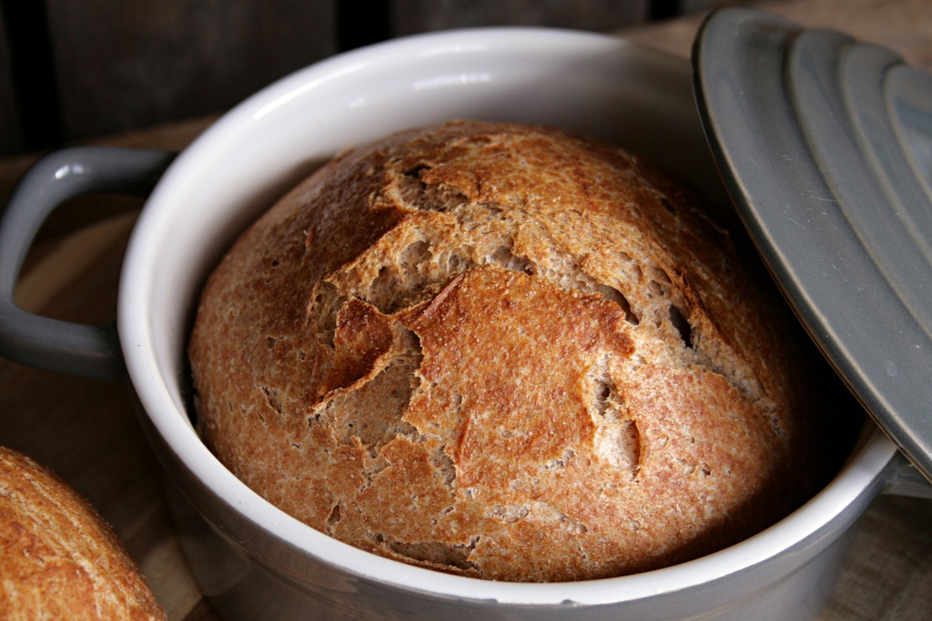 crusty wholemeal bread from the pot blueberry vegan. Black Bedroom Furniture Sets. Home Design Ideas