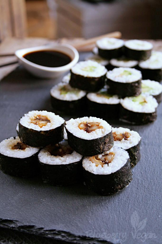 Vegan Sushi – Maki with Shiitake, Avocado and Cucumber