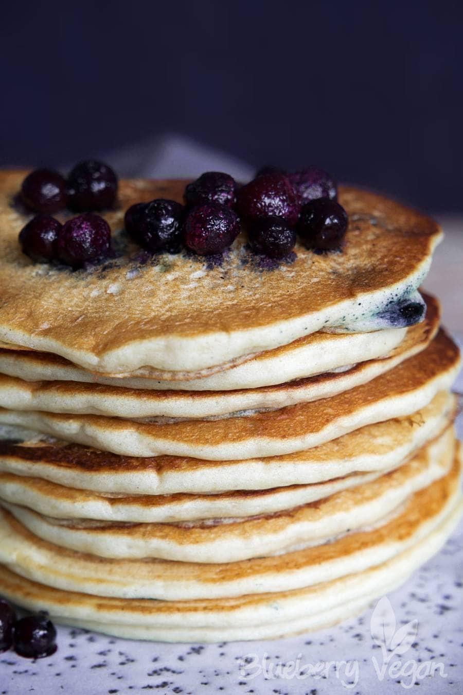 Leckere Blaubeer-Buttermilch-Pancakes