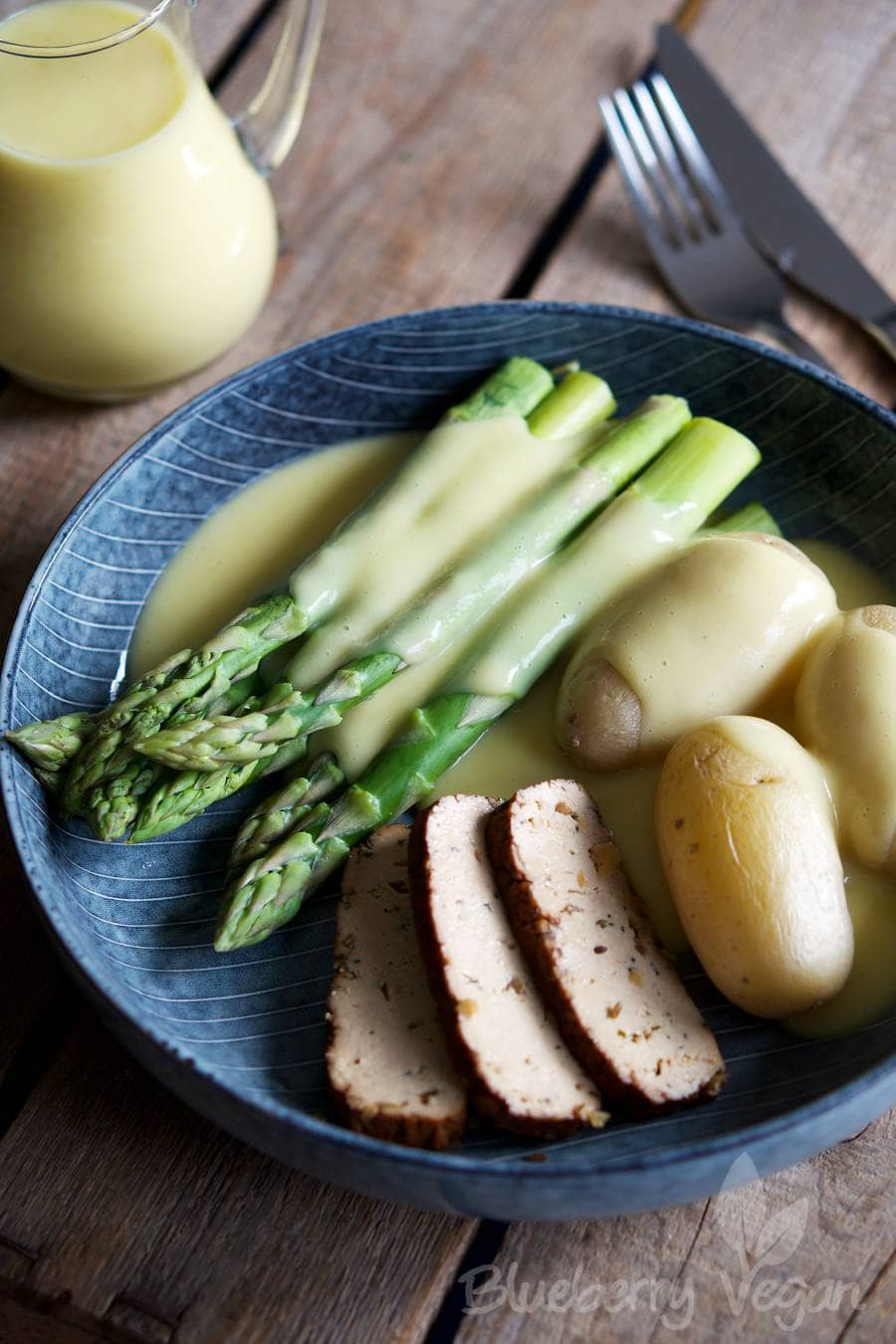 Asparagus with Potatoes, Tofu and The Ultimate Vegan Sauce Hollandaise